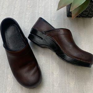 Dansko professional clogs dark brown